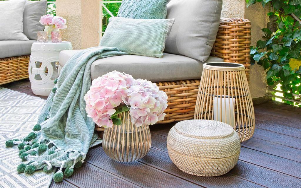 Wiklinowe Lampiony I Inne Stylowe Ozdoby Do Ogrodu Furniture Sets Furniture Outdoor Furniture Sets