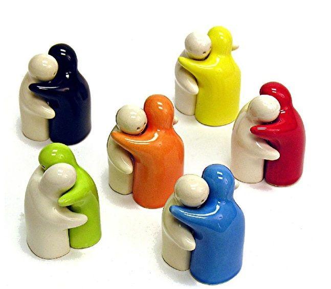 Hug Salt And Pepper Shaker Hugging Set