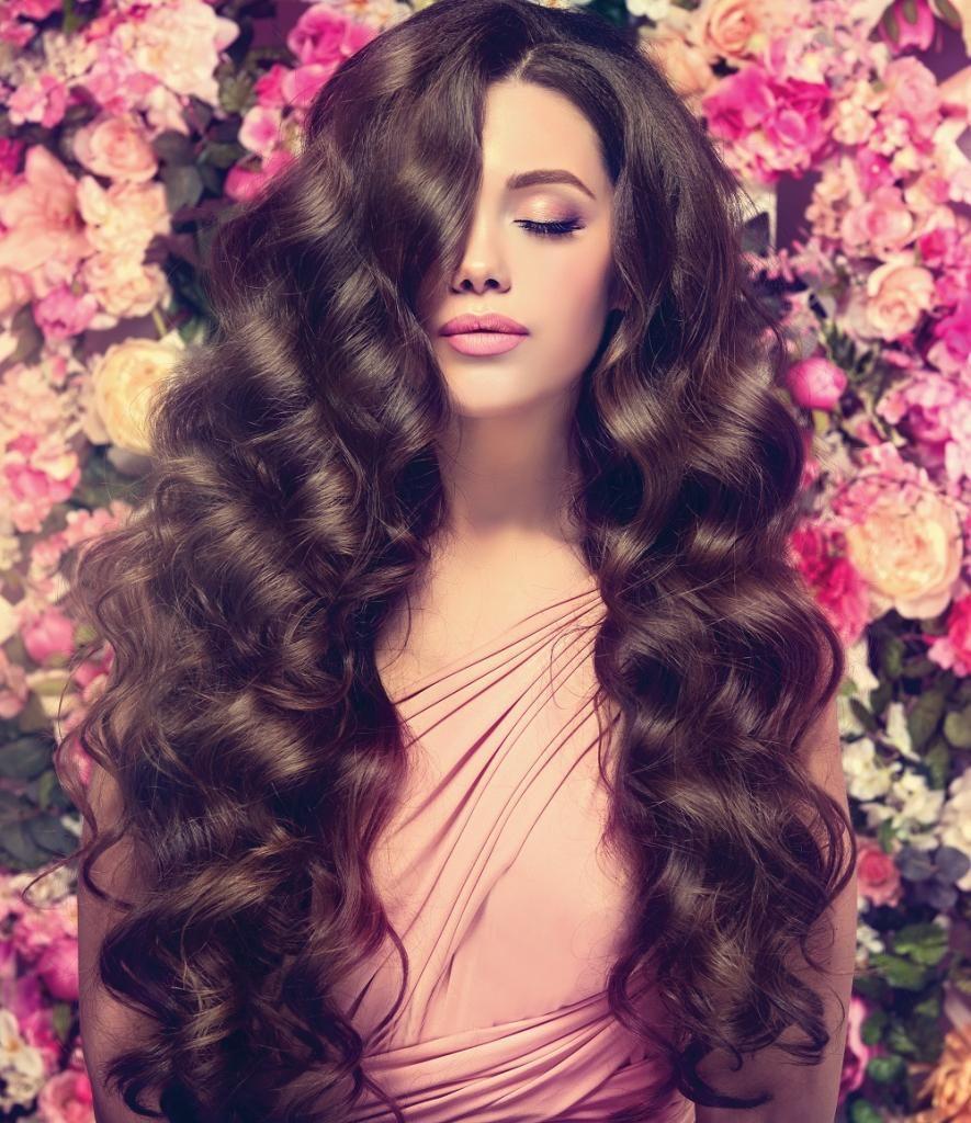 Картинка девушка с пышными волосами