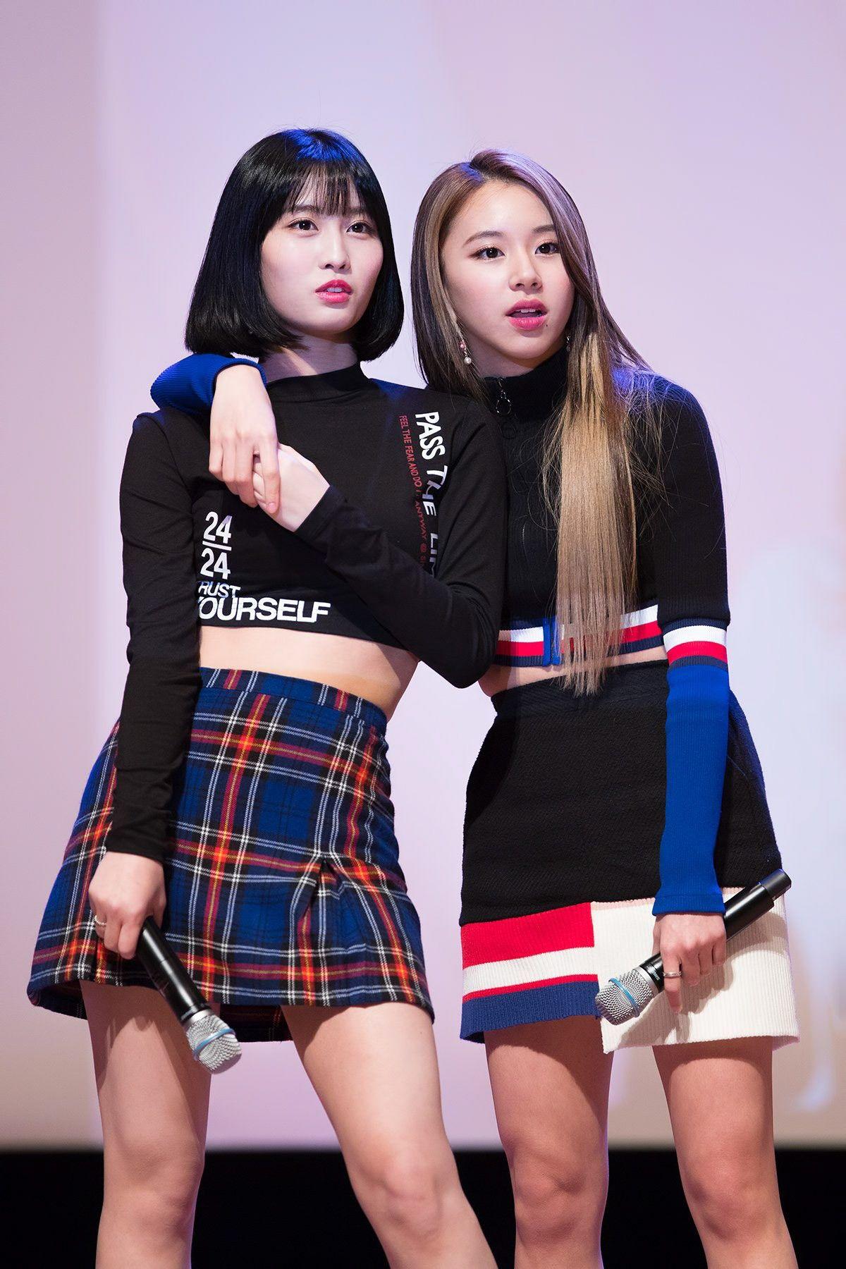 Twice Momo Chaeyoung Sudden Attack Fan Meeting Kpop Girls Kpop Fashion Twice