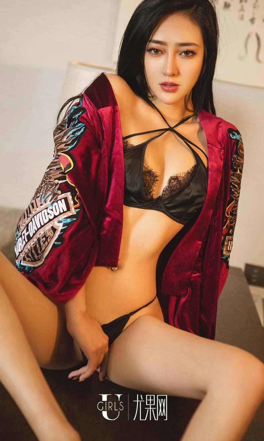 eba119c28c3 Wonder Woman · Black Underwear · Fantasy Characters · Cropped Tops ·  性感内衣美女Lucky诱惑私房照图片 Black Lingerie
