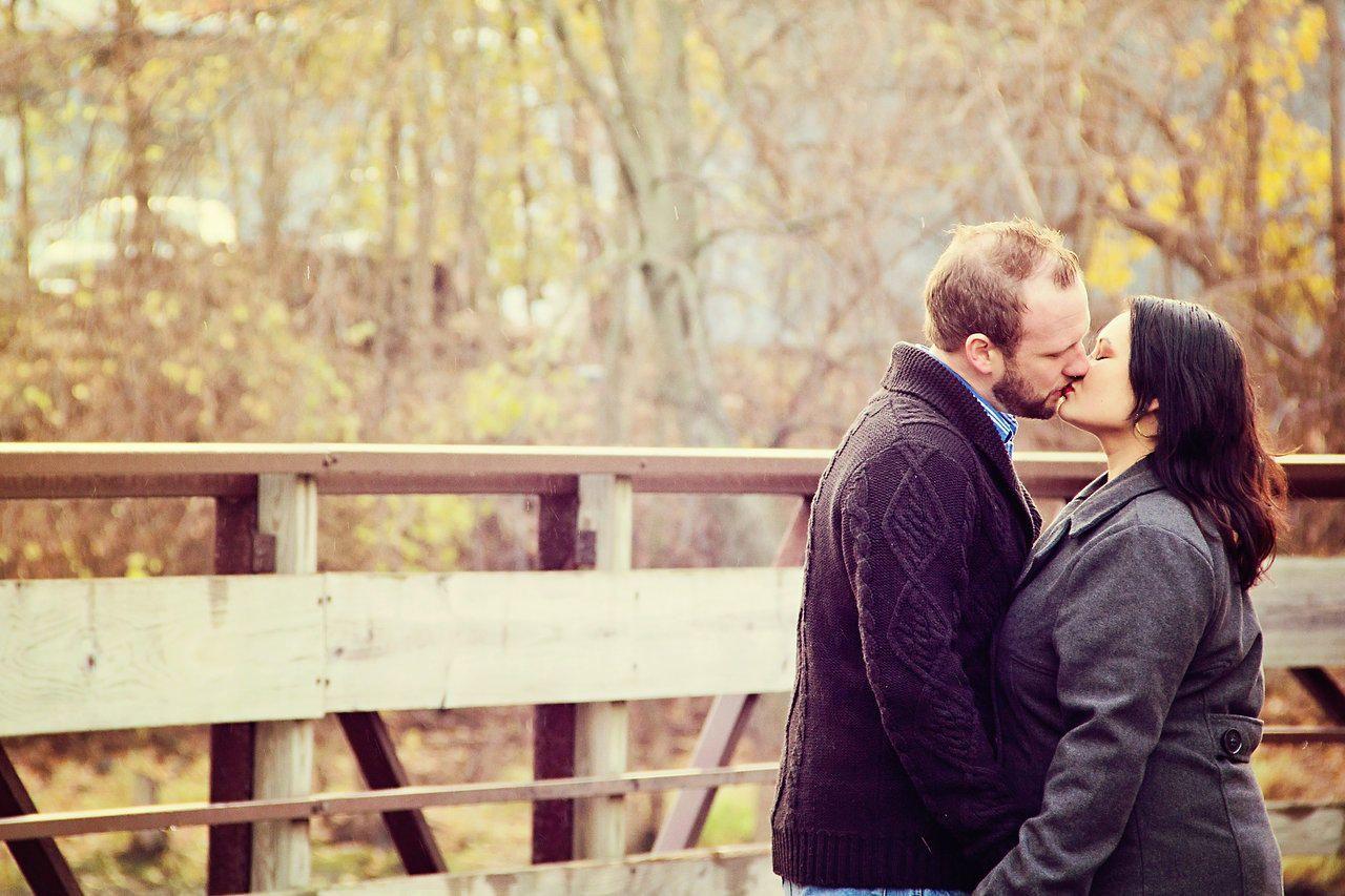 www.sheenastovallphotography.com  Love birds #Couples #poses #love