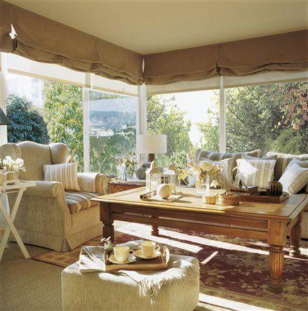 salón, sofás y mesa de centro