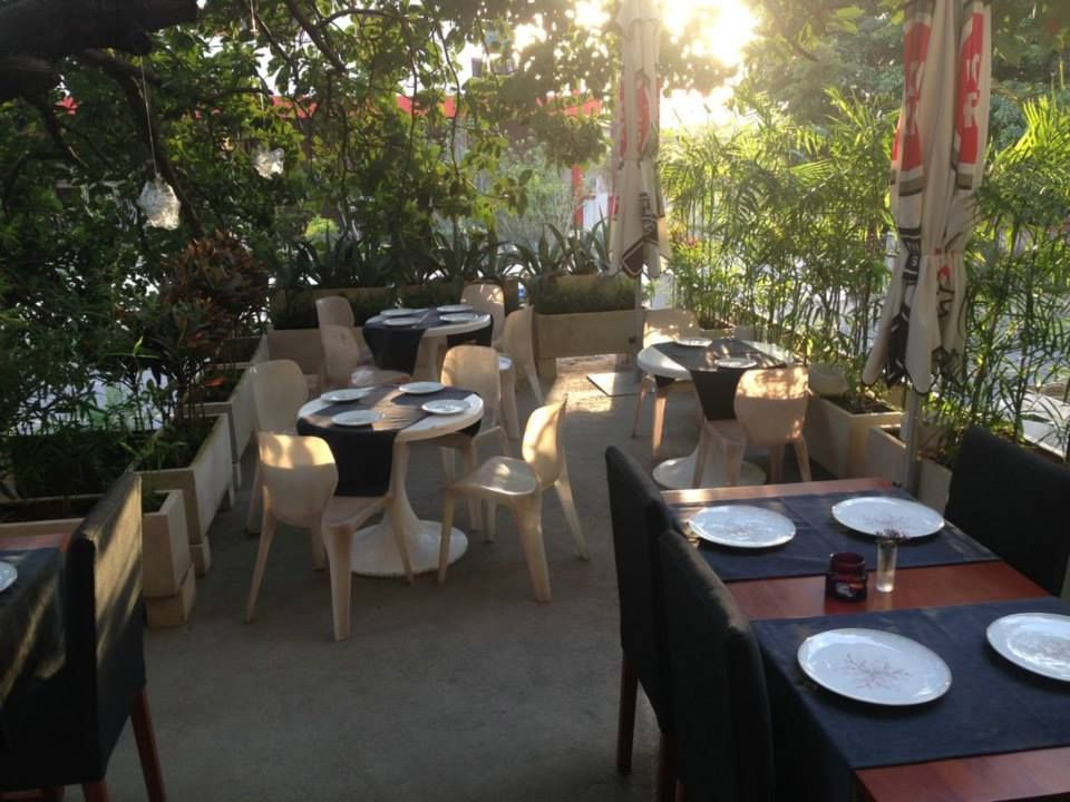 El Cocinero Restaurant Terraza Lounge Restaurant Table