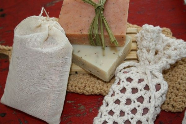 make handmade soap. 4 Pound Batch:  Water 13.25 oz.  Lye (sodium hydroxide) 5.75 oz.  Coconut Oil 10 oz.  Olive Oil 20 oz.  Palm Oil 12 oz.  1.5 oz EO  Use approximately 3 tablespoons of your chosen additive (herbs, seeds, clay, etc.) for the recipe below.    • Ground dried patchouli  • Cinnamon—orange, speckled soap  • Ground oatmeal—wonderful for exfoliation  • Bentonite clay—pulls impurities from skin