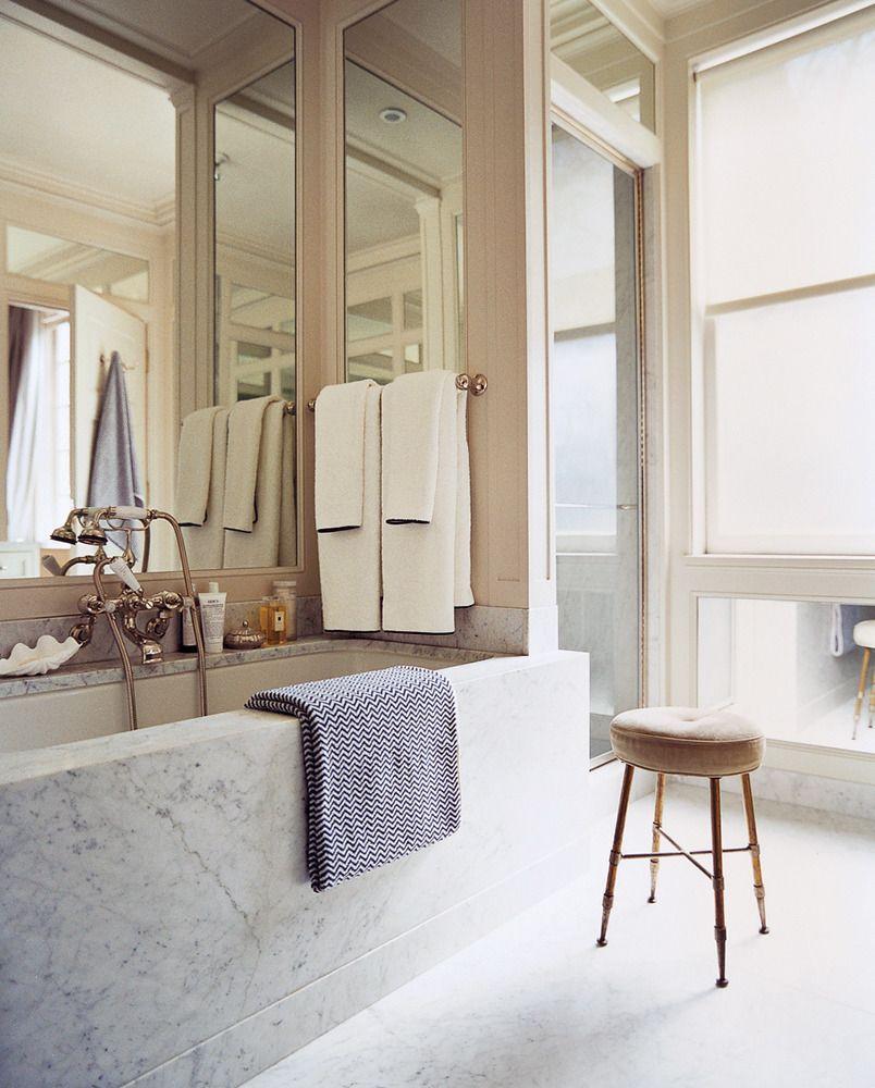 Marble Bathrooms Photos: Gorgeous Marble Tub