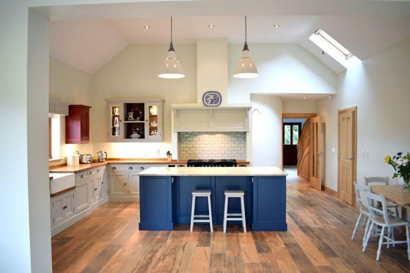 Best Island In Farrow Ball Stiffkey Blue Cabinets In Purbeck 400 x 300