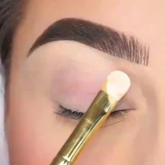 Useful Makeup Tips To Look Beautiful