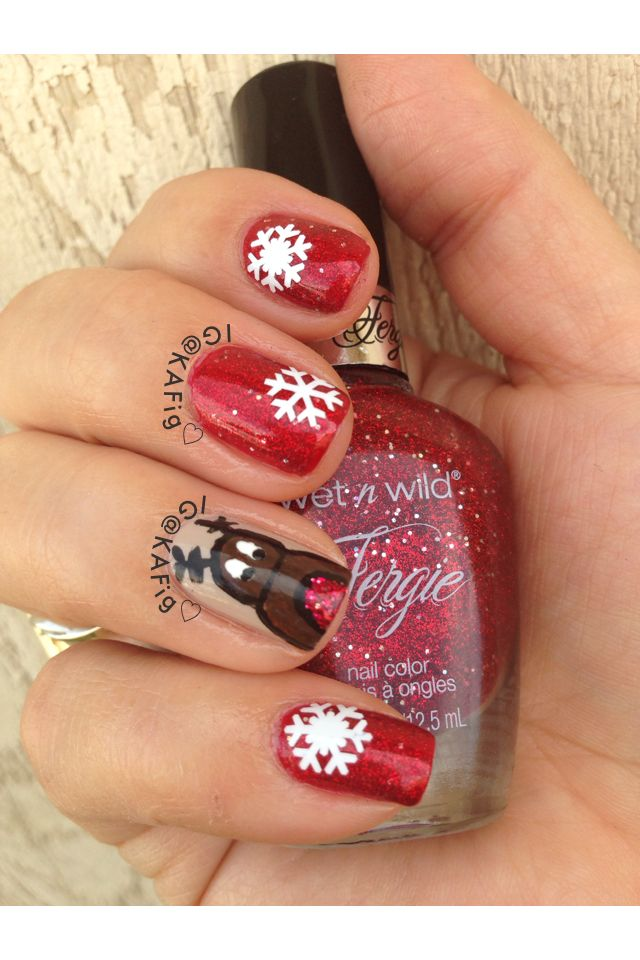 Christmas Nails I Hand Painted The Reindeer With Acrylic Paint Nails Christmas Nails Hand Painted