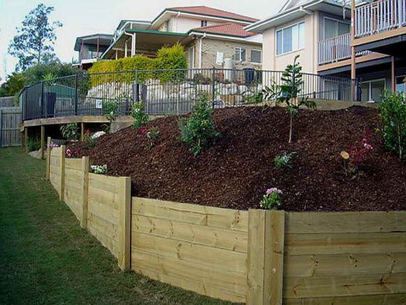 Walls:How To Build Wood Retaining Wall With Plain Color How To