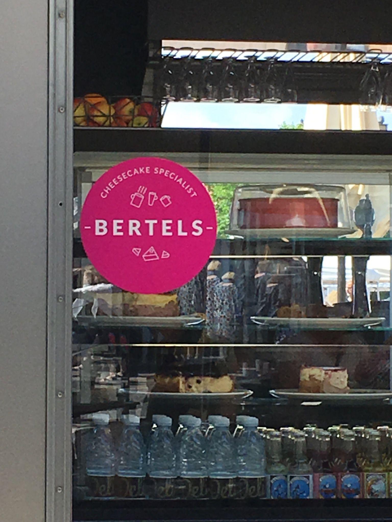 25/5-16 Selv i Køge findes Bertels kager