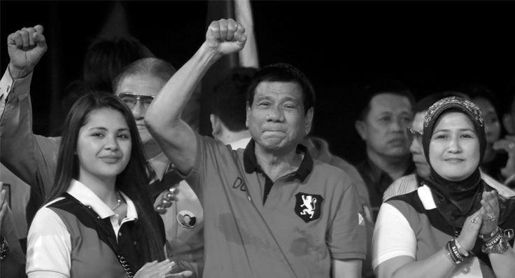 Tanrı, Duterte'yle konuşmuş: Küfretmeye devam etmem halinde uçağı düşüreceğini söyledi