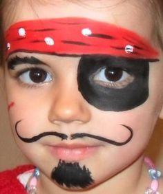 Modèle de maquillage de pirate pour enfant, simple et efficace.