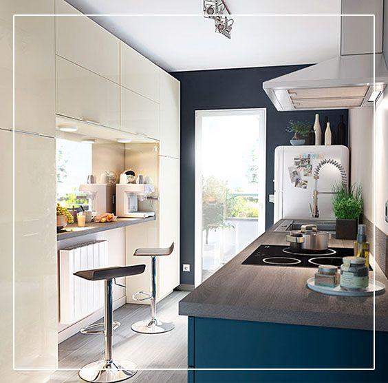 Un cuisine bleu gossip avec une belle association de for Belle cuisine grise