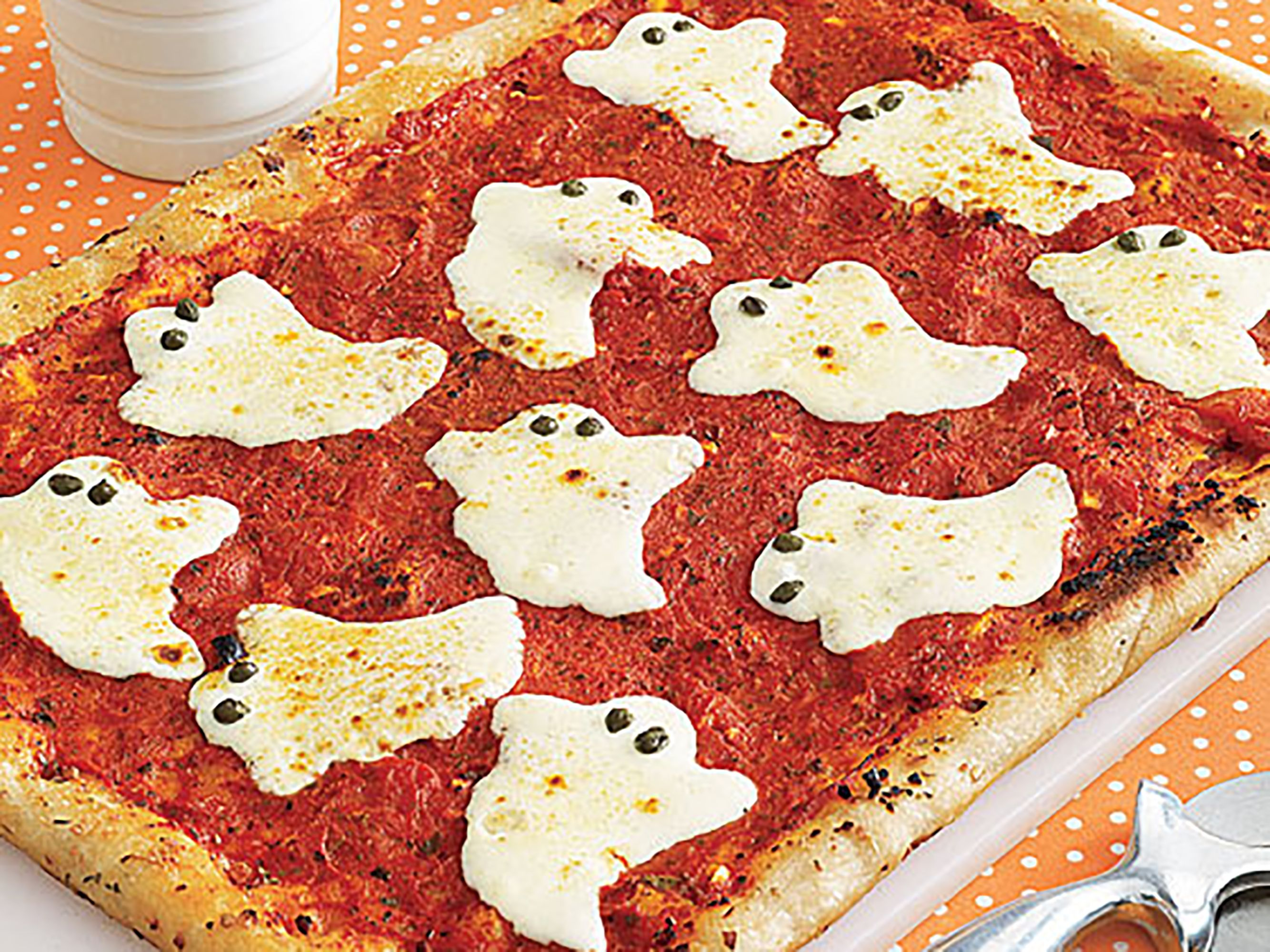 Ghostly Pizza Recipe Halloween treats easy, Halloween