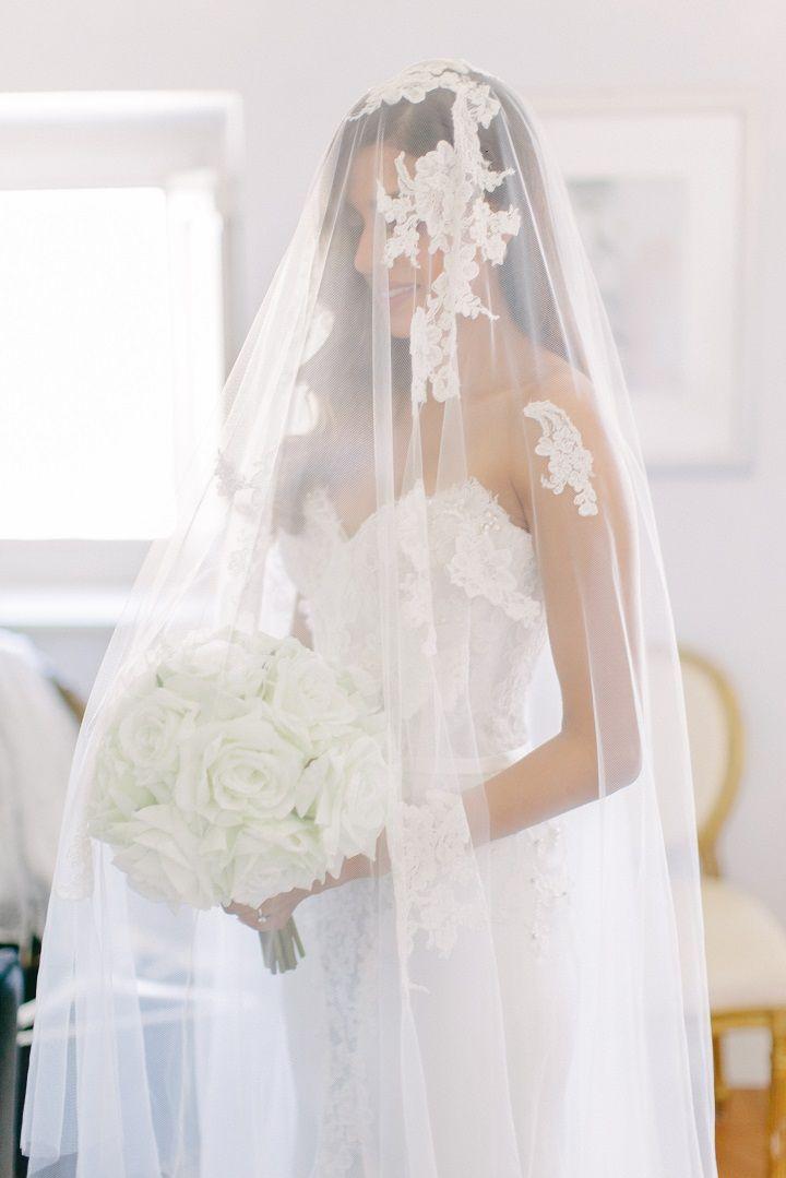 Beautiful bride wears bridal veil for a Breathtaking Fairytale Venice Wedding + Steven Khalil wedding dress | itakeyou.co.uk #wedding #venicewedding #destinationwedding #elegantwedding #white #goldwedding #fairytalewedding