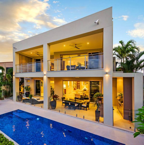 Modern House Design next to rectangle pool   Modern Homes ...