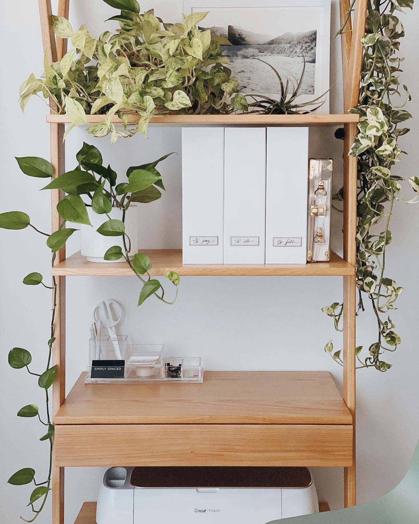 Clear the clutter and create productivity. simplyspaced