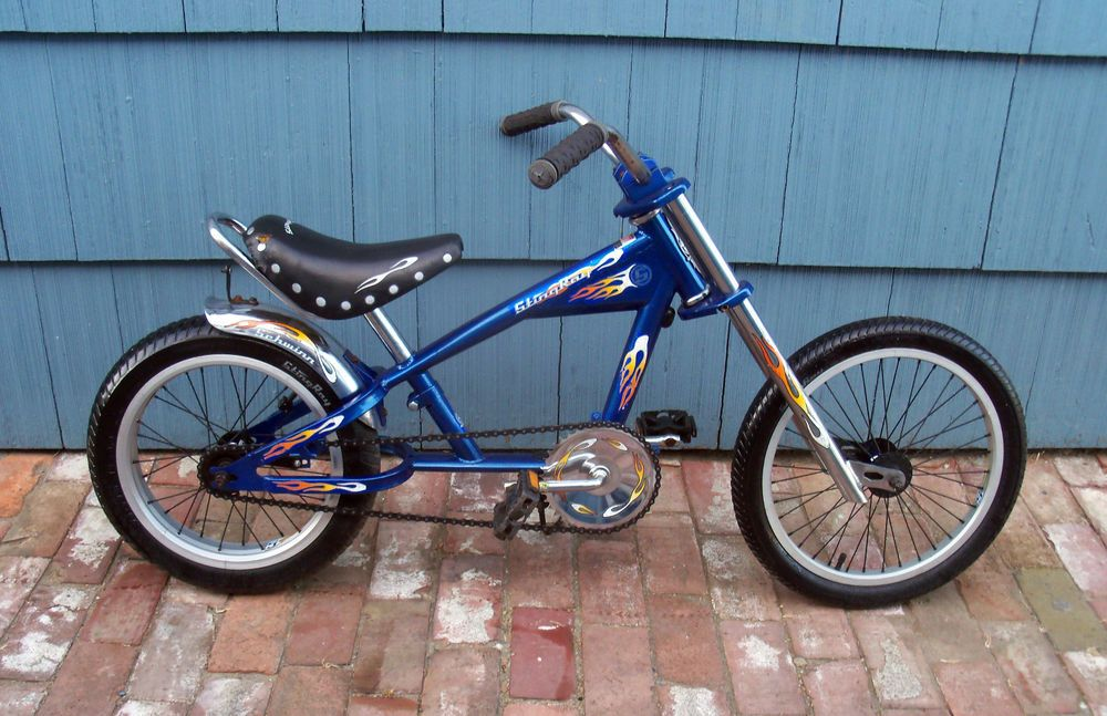 32a3d2ac1e5 Schwinn Stingray Boys Chopper Bike Blue with Flames 2004 Kids Genuine  Schwinn