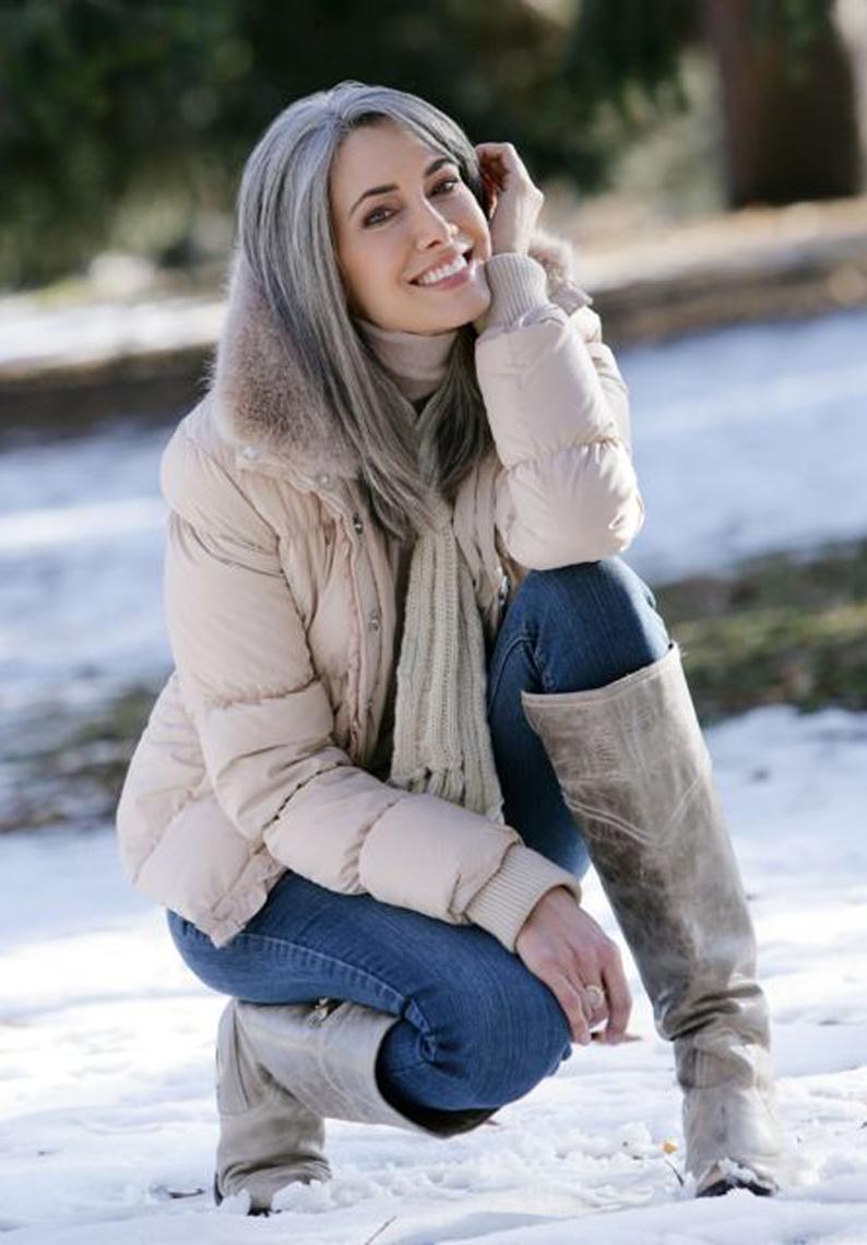 Seattle Models Guild - Manon Crespi Lunghi Capelli Grigi 9b1625ac09ce