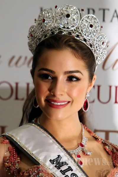 olivia culpo miss universe 2012 usa beauty queens pageants etc pinterest olivia. Black Bedroom Furniture Sets. Home Design Ideas