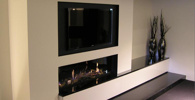 Mooie haard met tv erboven schouwen en haarden for Sonos woonkamer opstelling