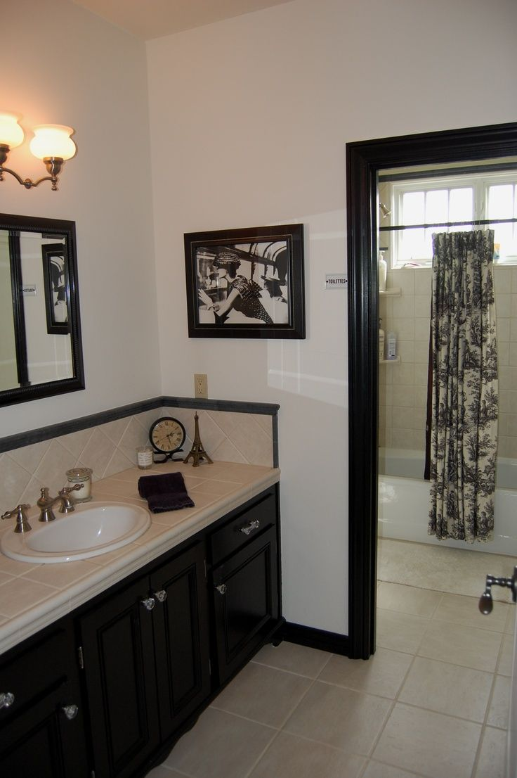 french toile bathroom curtain | French-Country bathroom in black ...