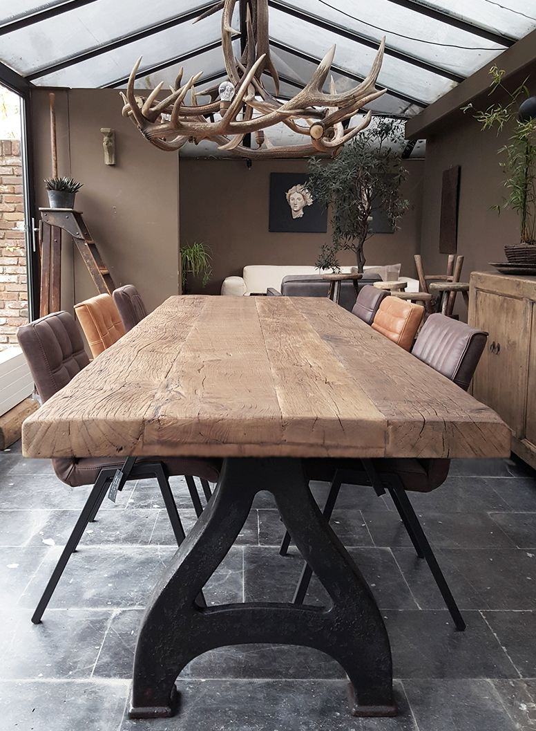 Tisch industrie design mit tischplatte aus 7cm for Tisch design eiche