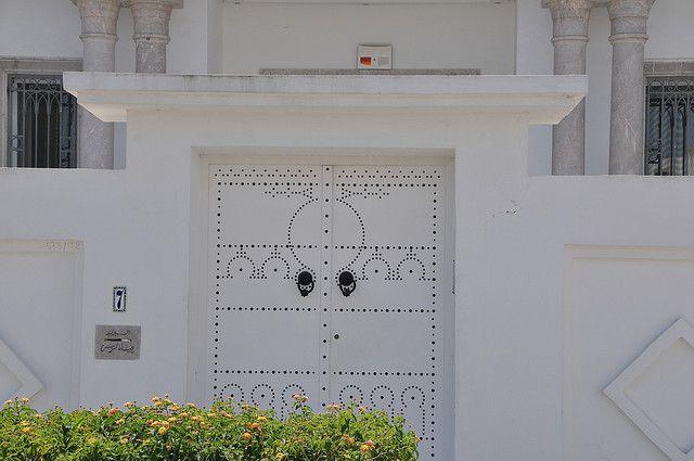 Porte Exterieure Traditionnelle Tunisienne En Bois Decore En 2020