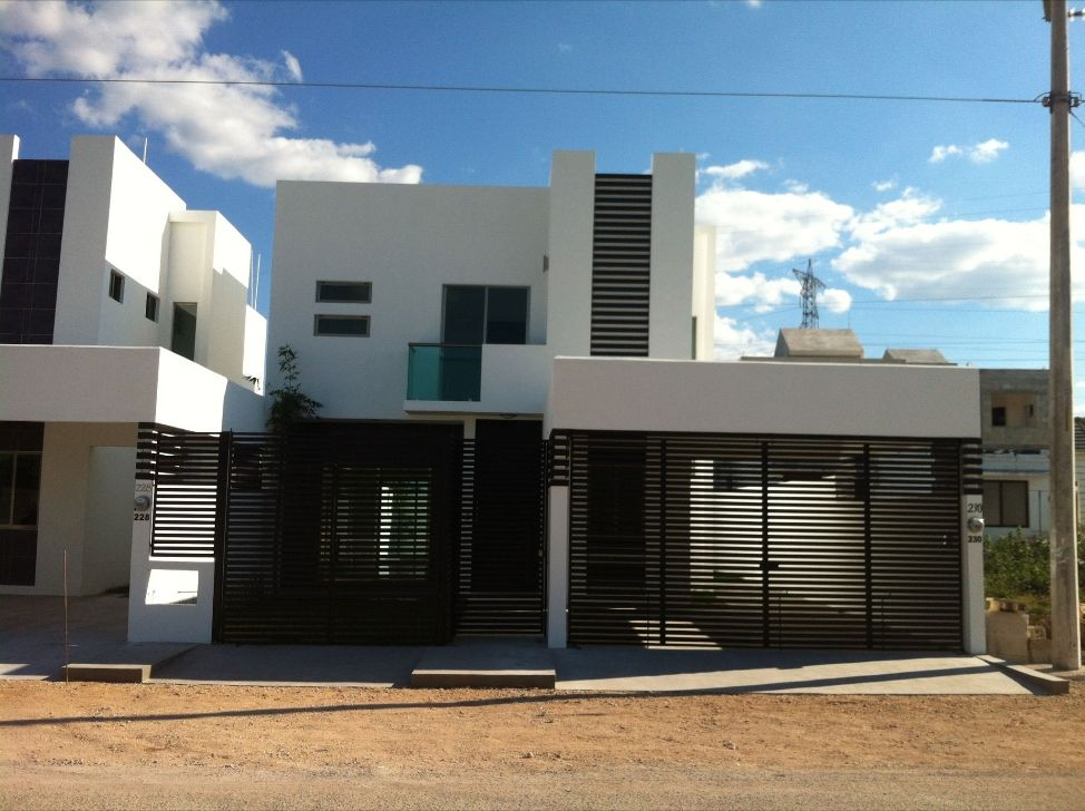 Fachadas de casas modernas con rejas fachadas for Casa con garage laterale
