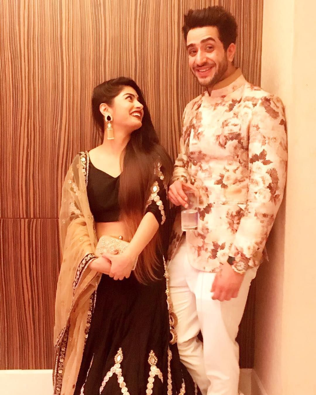 krishna mukherjee datinghook up with bridesmaid