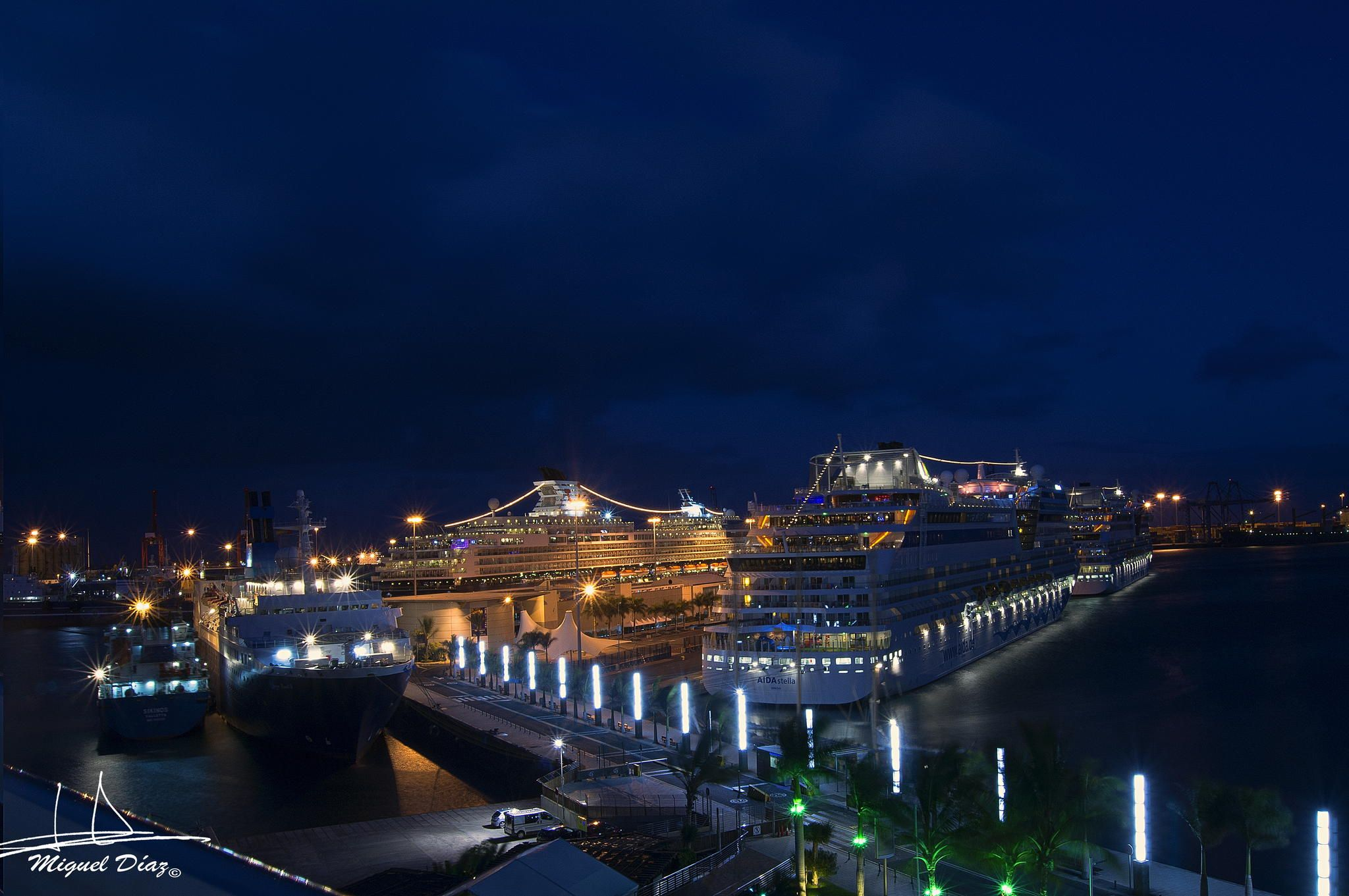 Cruise ships by Miguel Diaz Ojeda on 500px