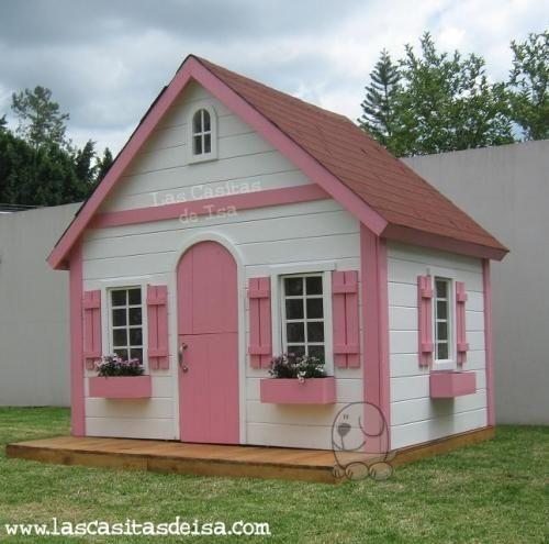Casita castillo para jugar en el jardn casitas de lujo for Casita infantil jardin