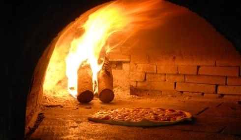 Ristorante Pizzeria Al Teatro http://www.marchetourismnetwork.it/?place=ristorante-pizzeria-al-teatro
