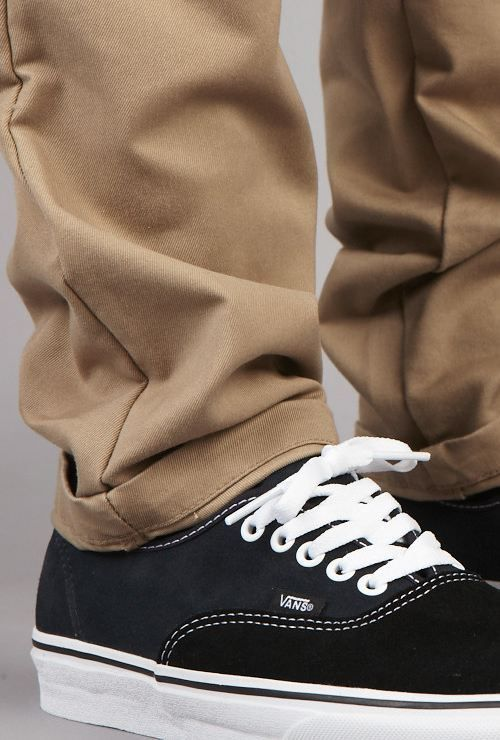 Vans Classic kicks + chinos   style. This equation get s an A+ ... 2c9cb16211