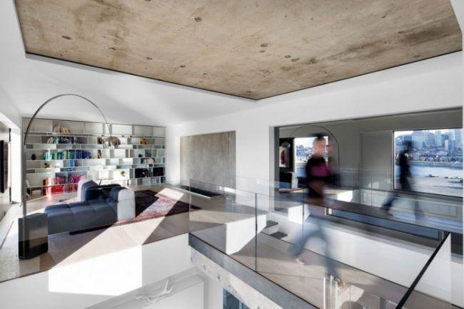 raumgestaltung-ideen-betondecke-fenster-gross-glas-gelaender - raumgestaltung ideen wohnzimmer