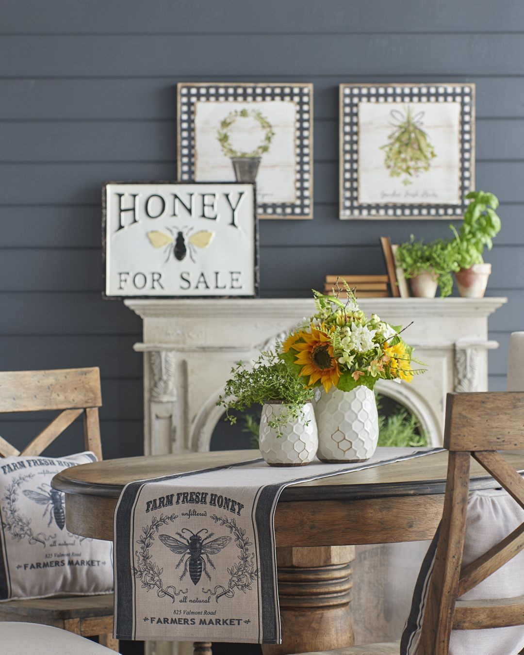 Home Decor Imports: Realize Your Spring Decorative Inspiration. Black & White