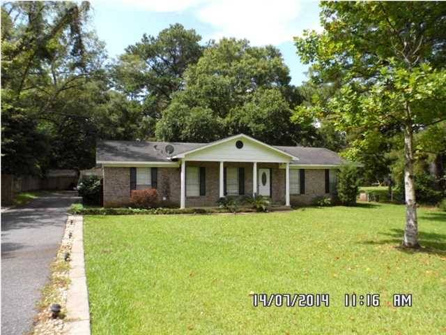3 Bed 2 Bath Home in Mobile off Demetropolis Rd.