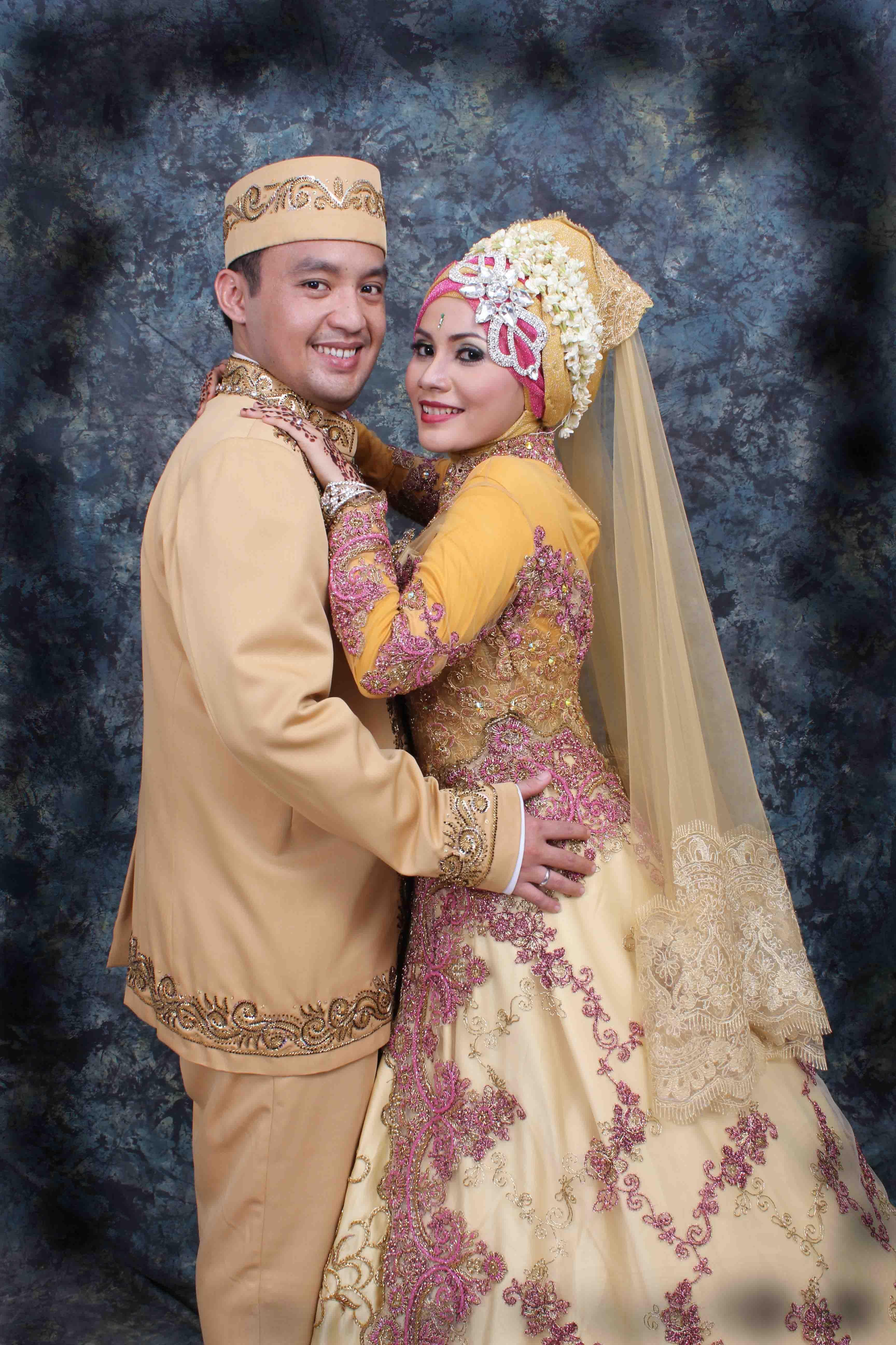 Gaun Pengantin Muslim Modifikasi Picture Weding Collection Pose