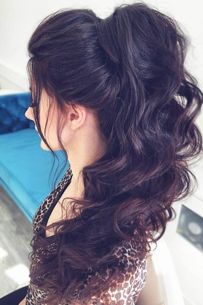 A High Ponytail Trend Ponytail Hairstyles Curly Ponytail