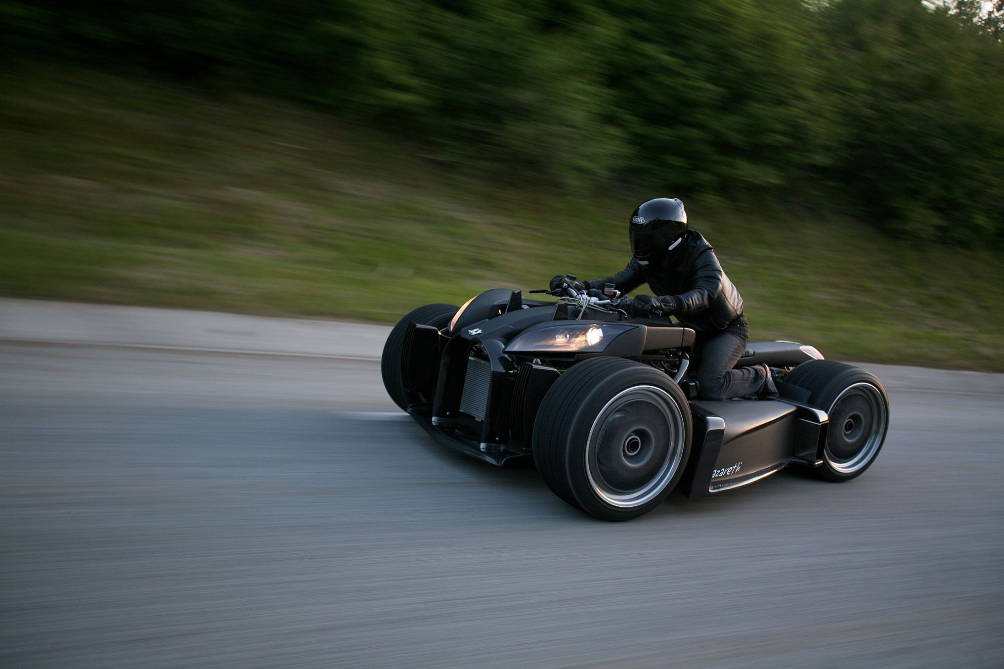 Powered by a V12 5.0L BMW, the Wazuma V12 is based on an atypic ...