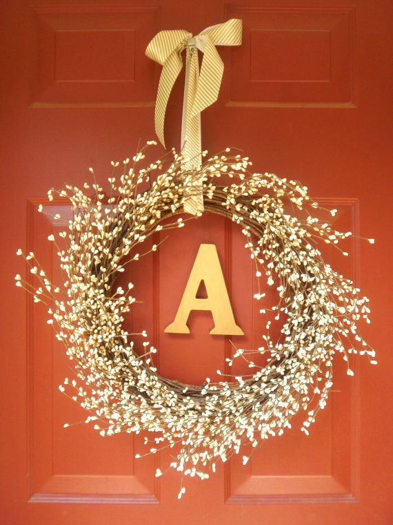 A simple, sweet little door wreath. Can be used indoors or out! LOVE LOVE LOVE LOVE LOVEEEEE the colors!!!