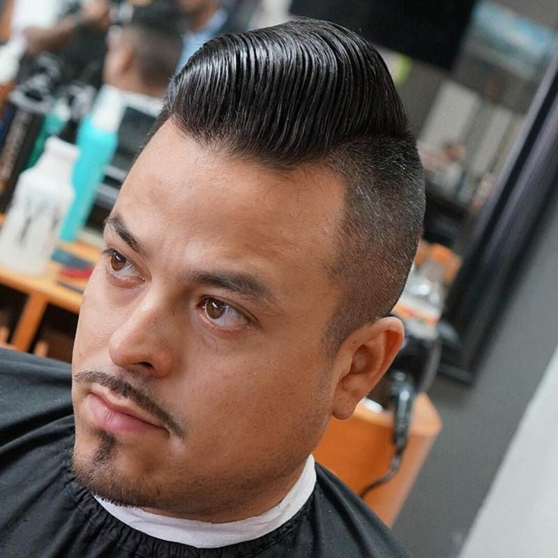 how to slick back hair with pomade