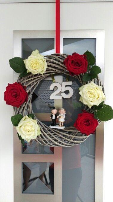 Silberhochzeit Kranz Rosen Selfmade Diy Roses Silberhochzeit Wedding Kranz 25 Geschenke Zur Goldenen Hochzeit Silberhochzeit Goldene Hochzeit
