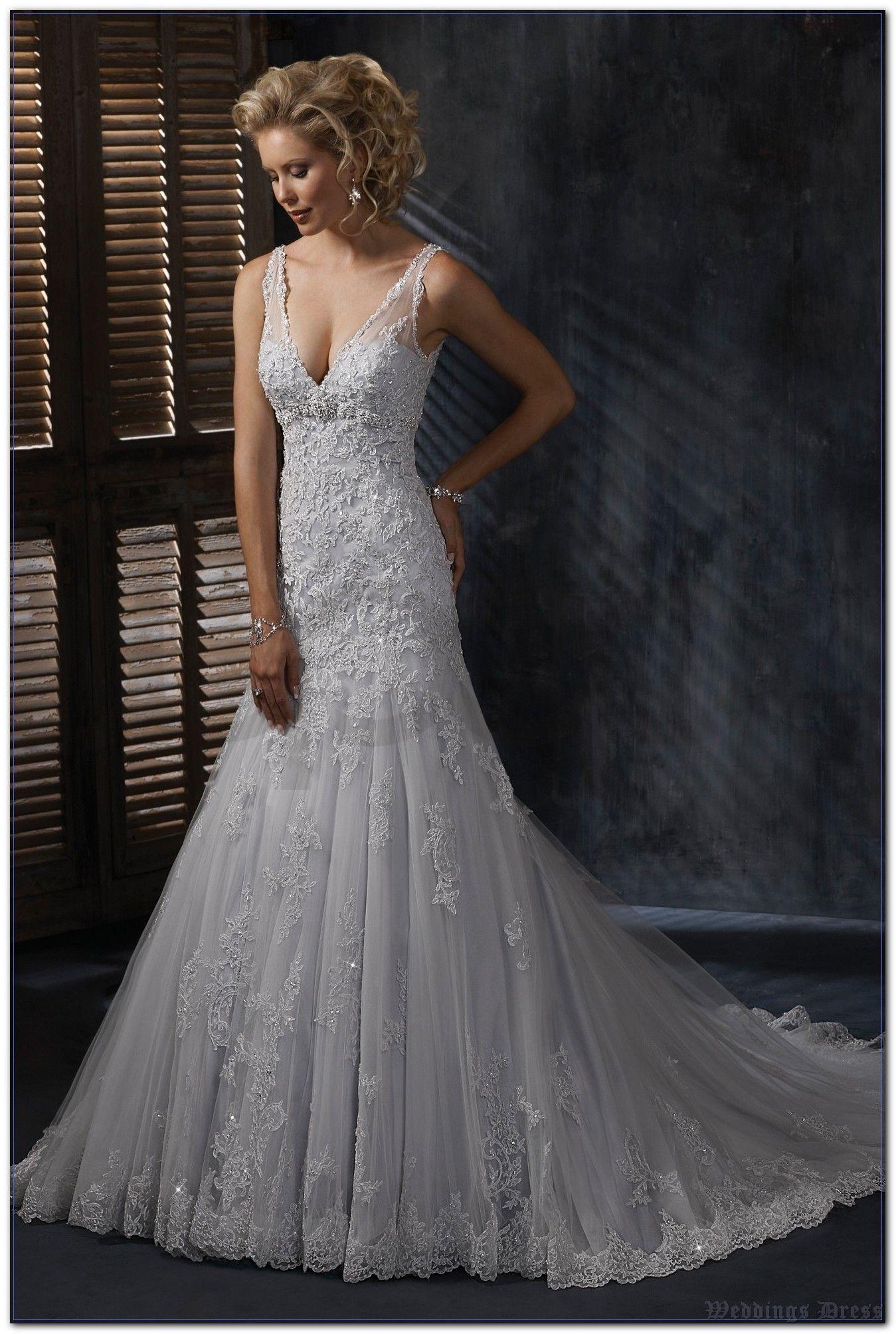 Weddings Dress Expert Interview