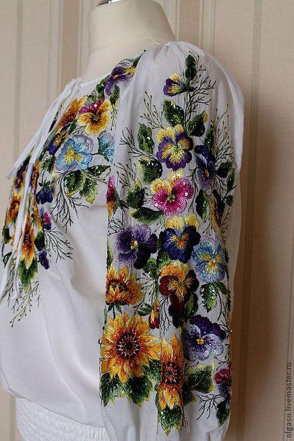"""Блузки ручной работы. Летняя вышитая белая блуза вышиванка """"Цветы незабудки"""" ручная вышивка. Ручная вышивка от Ольги Стрельцовой. Ярмарка Мастеров."""