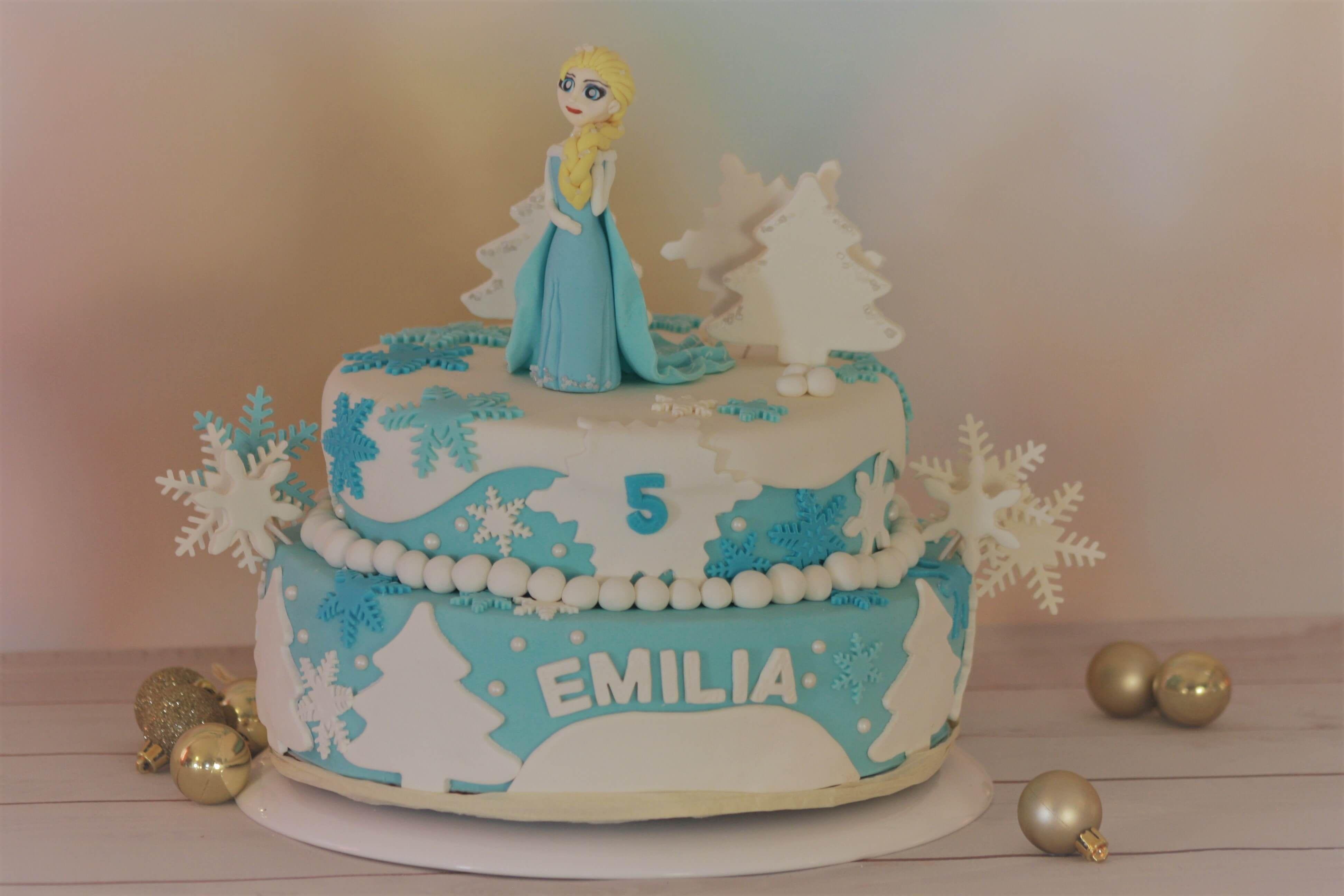 Tort Urodzinowy Elsa Z Krainy Lodu Elsa Frozen Birthday Cake With Images Torty Urodzinowe Tort Frozen