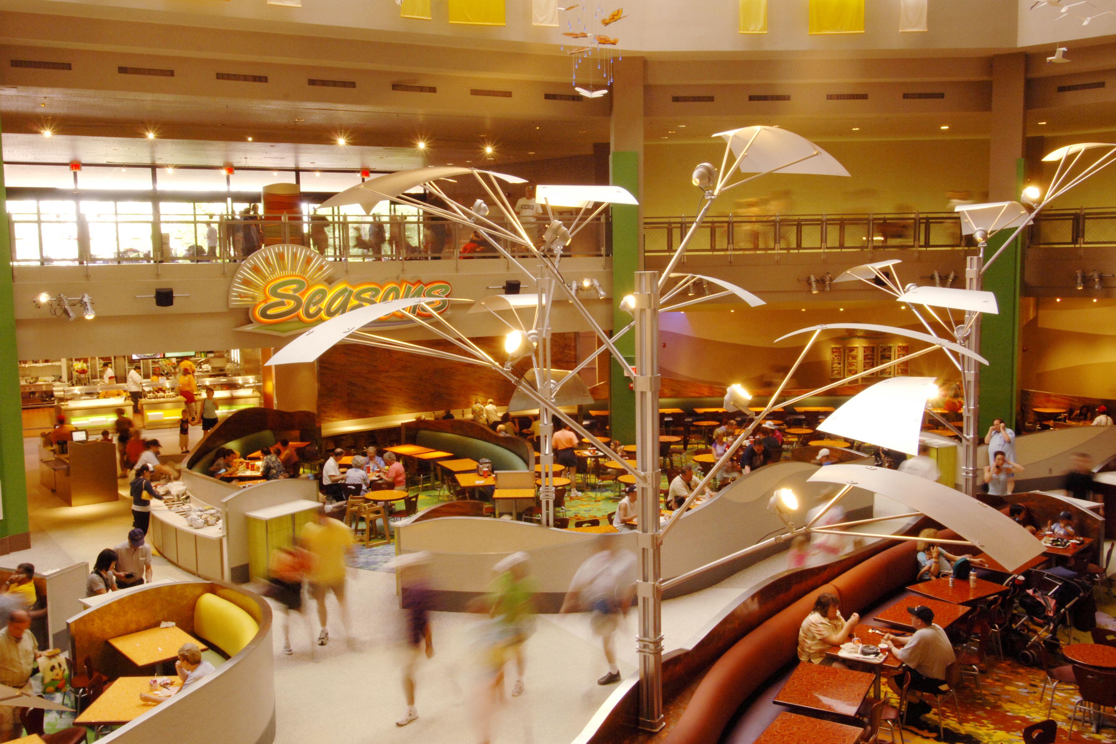 Walt Disney World, Dining - Guests At Sunshine Seaons Food Fair At Epcot