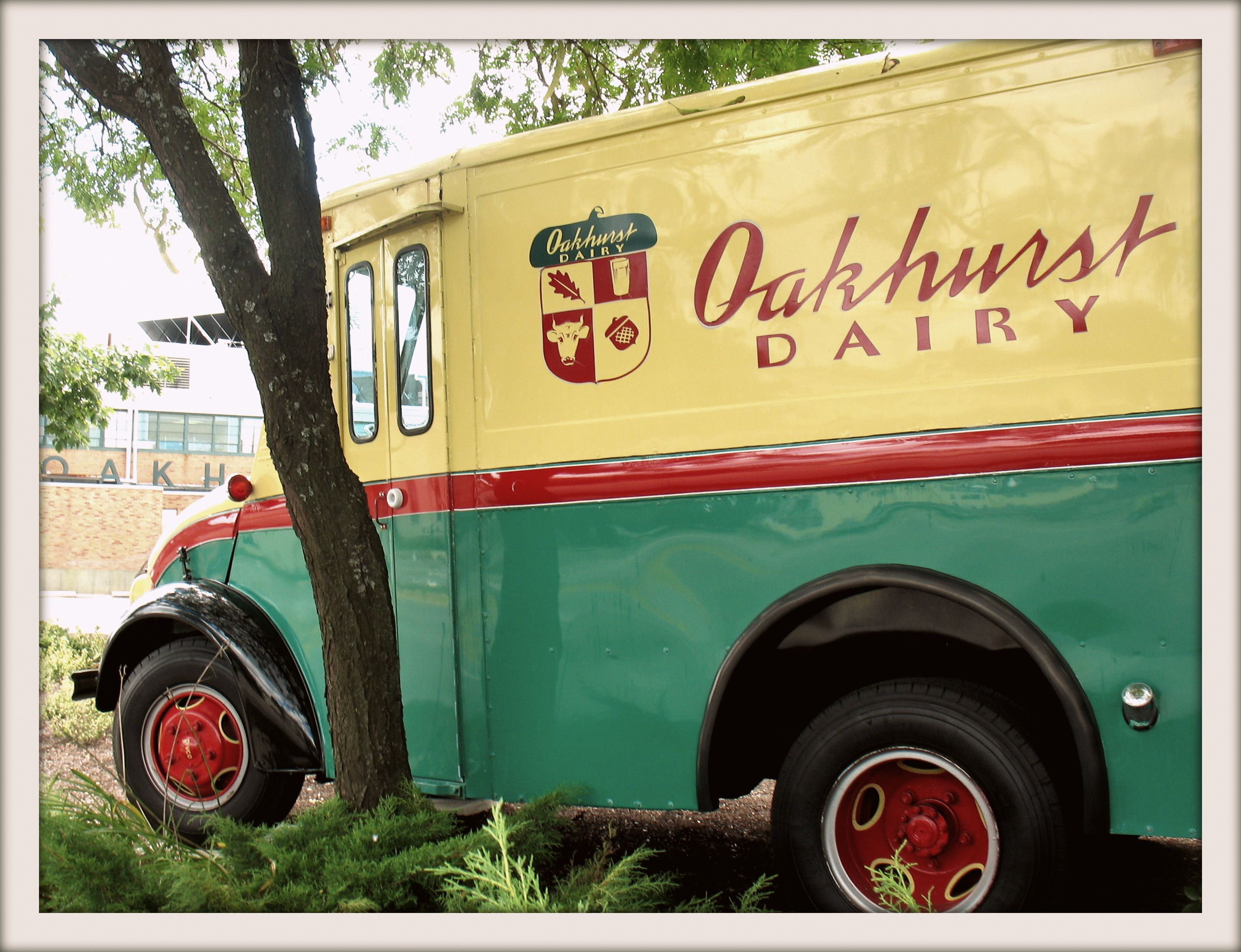September 10th 2012 The Old Oakhurst Dairy Milk Delivery Truck Forest Avenue Truck Lettering Milk Delivery Classic Trucks