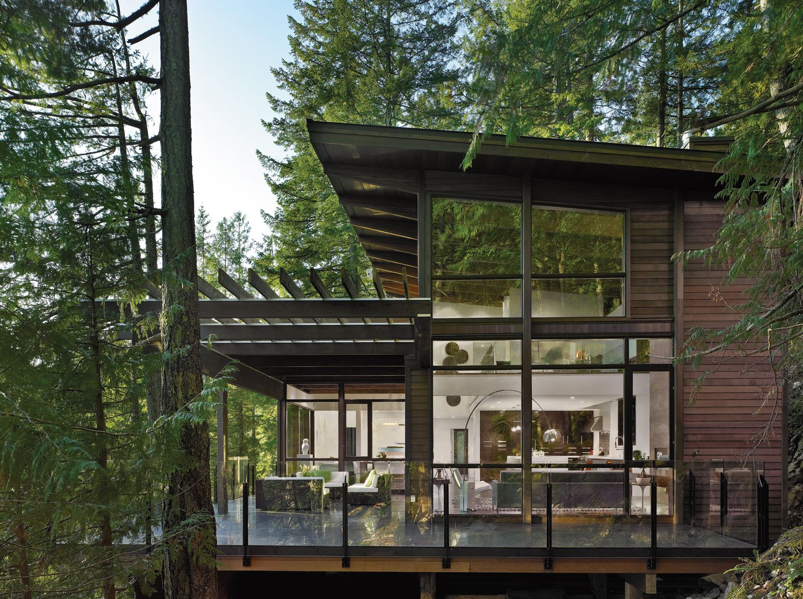 INTO THE WOODS The efficiency and aesthetics of prefab proved appealing to  the owner of this